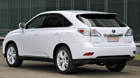 Lexus SUV bakfra
