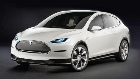 Tesla Model X er om ikke så alt for lenge klar for norske veier. Den forventes å bli satt i produksjon første kvartal 2015.
