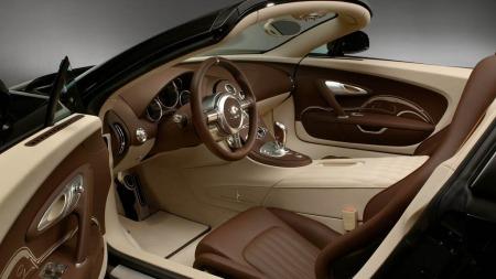 Veyron finnes også som cabriolet - og ja, det er naturligvis verdens raskeste bil uten tak ...