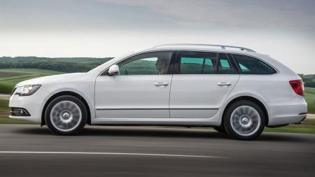 Superb er toppmodellen fra Skoda - og en bil som gir veldig mye plass for pengene.