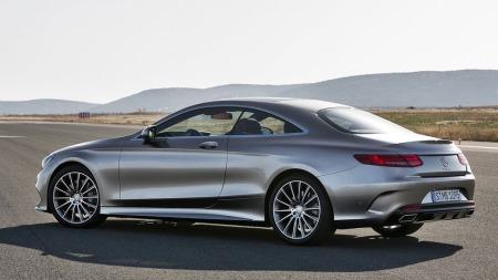 Mercedes har fått veldig mye skryt for designet på bilene sine de siste årene - og det skal vel hardt gjøres å ikke synes at nye S-klasse coupe er lekre saker.