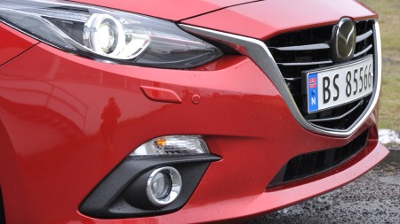 Mazda-3-detalj-fronten