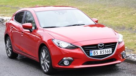 Mazda-3-skrått-forfra