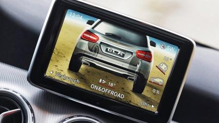 Mercedes-GLA-off-road-skjer