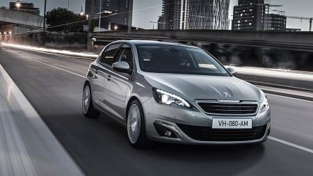 Bilen er både pen og god, men hva er det her vi IKKE har sett tidligere?