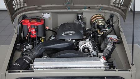 V8-motor på 320 hk (Foto: Automarin)