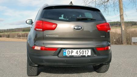 Bakfra er nye lykter den største forskjellen etter at Kia Sportage har fått en facelift.