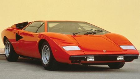 Lamborghini Countach henger på utallige gutteromsvegger. Sjelden har betegnelsen superbil passet bedre på en bil!