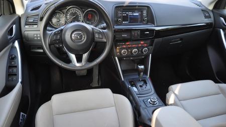 Mazda-CX-5-interiør-foran