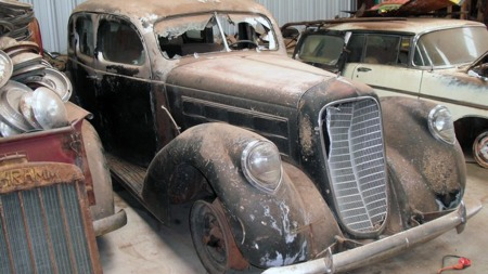 Denne Lincoln type K fra 1939 har supersjeldent aluminiumskarosseri, og tør være en av de virkelige godbitene i samlingen. (Foto: Photo Courtesy of VanDerBrink Auctions)