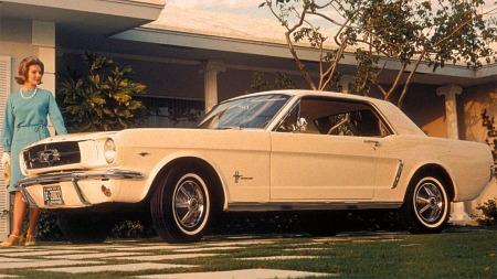 Dette er en av de først produserte. Dette bildet ble brukt for å promotere lanseringen 17 april i 1964.