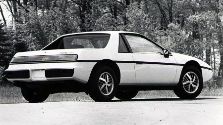 Slik ser 1984 modellen ut bakfra