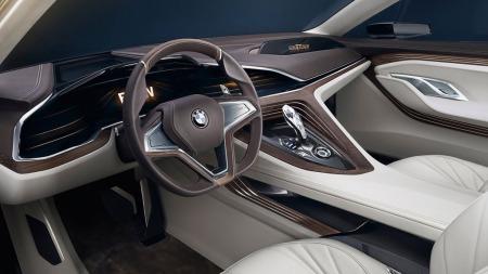 Eksklusive materialer og nesten minimalitisk dashborddesign preger det nye BMW-konseptet.