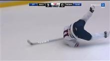Mini scoret og prøvde seg på salto på isen