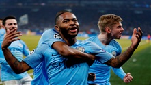 Manchester City snudde til seier med ti mann