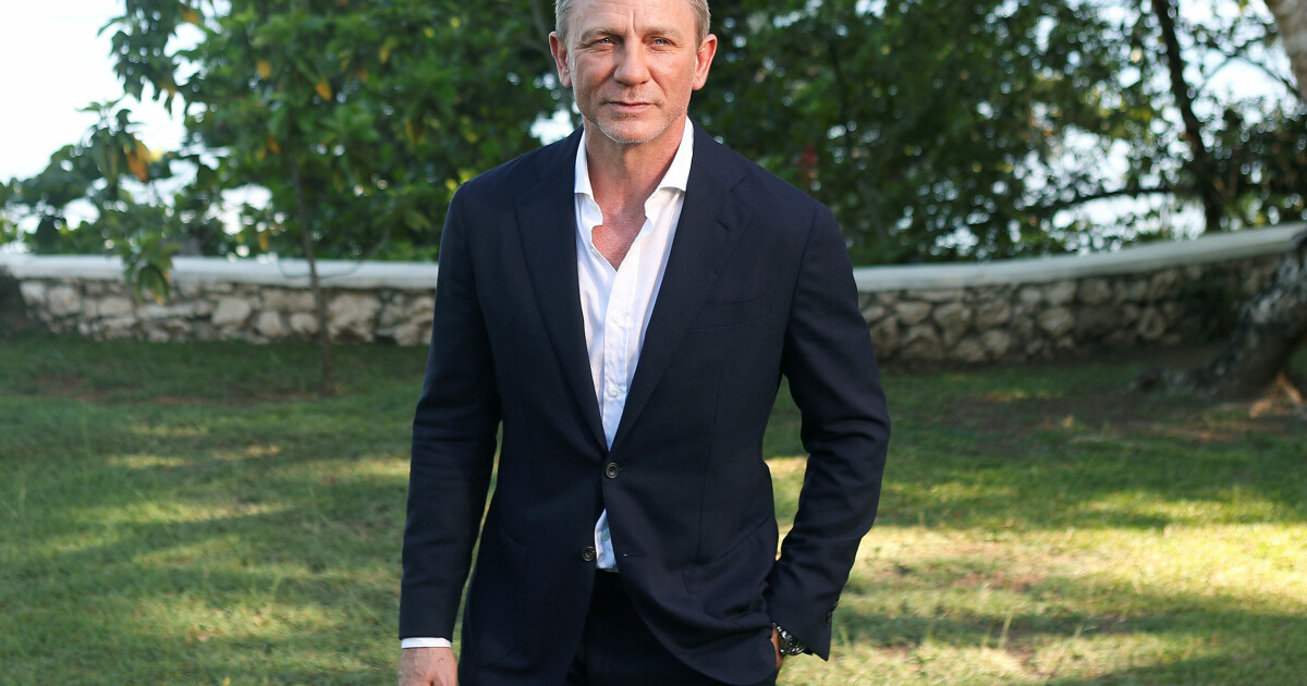 Danielis Craigas su varpa)