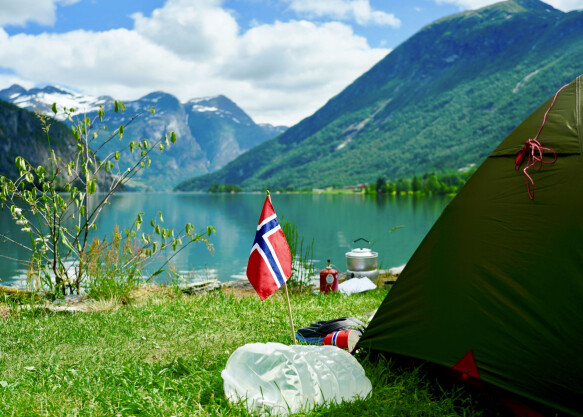 NATURE: Tent by Strynevatnet at Mindresunde Camping last year.