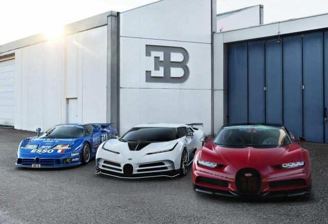 Her står nykommeren i midten ved siden av klassiske EB110 og en rød Bugatti Chiron.