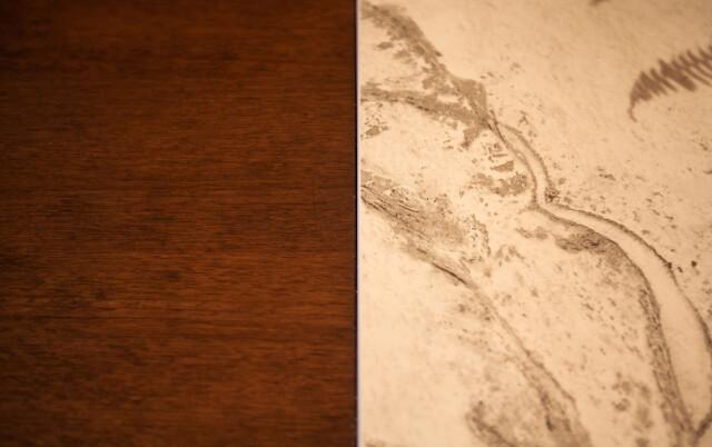 Materiale: frontali in rovere affumicato con piano di lavoro.