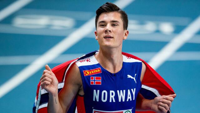 20-åringen jublet for gull etter 1500-meteren.