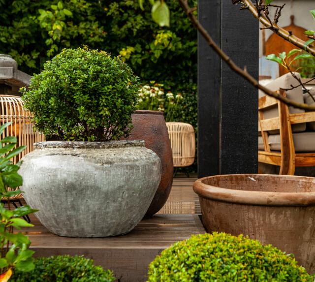 Sagra dei Vasi: Orci grigi e di terracotta, con o senza piatti.
