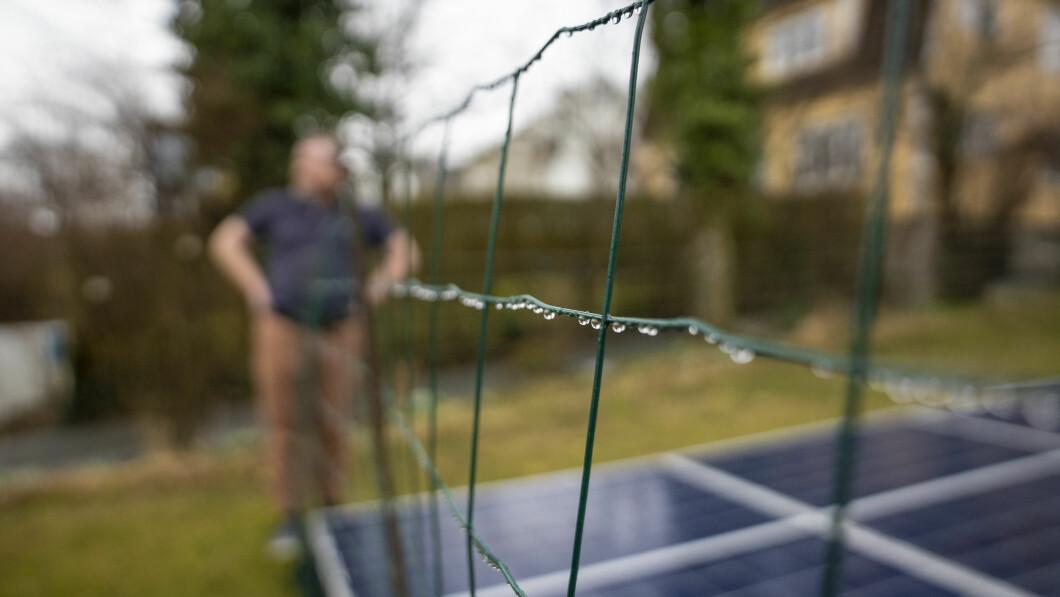 Gjerde: Scotch mener gjerder vil beskytte paneler mot skade.