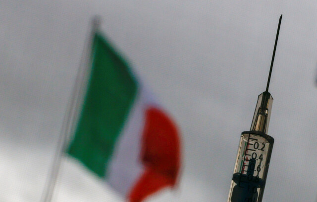 Critiche: la strategia vaccinale dell'Italia è stata recentemente oggetto di pesanti critiche a livello nazionale.