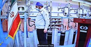 Sabato un tecnico ha dimostrato il nuovo impianto di centrifuga.