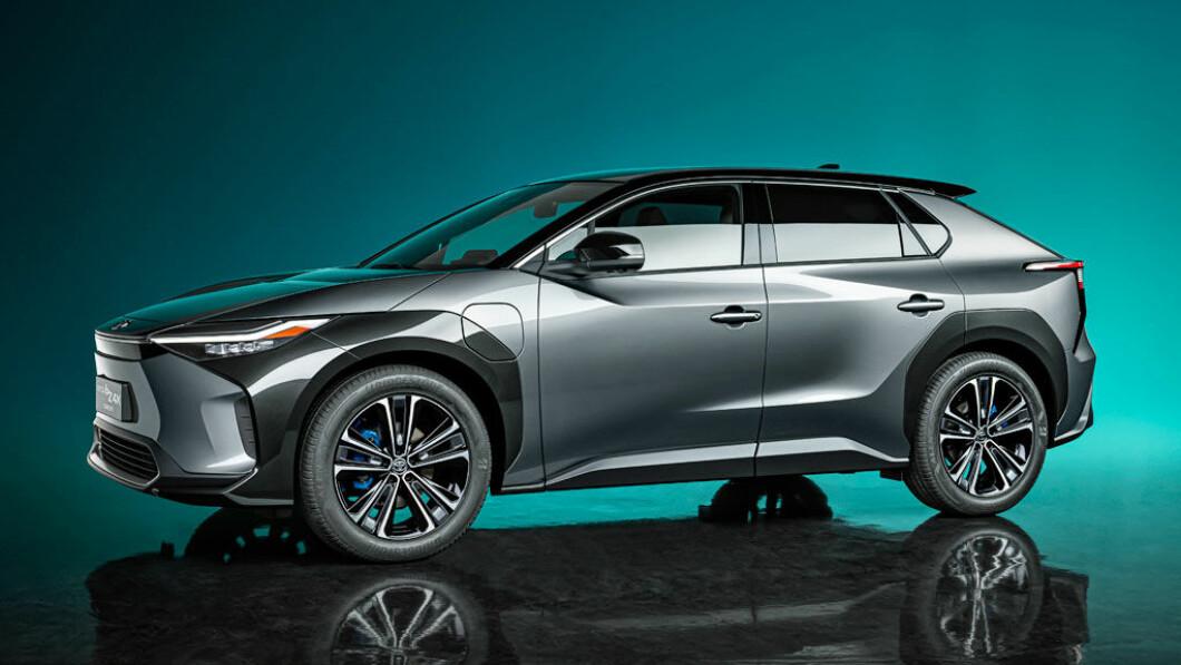 De Toyota bZ4x komt met voorwielaandrijving en vierwielaandrijving, wordt ruim opgezet en belooft competitief te worden.