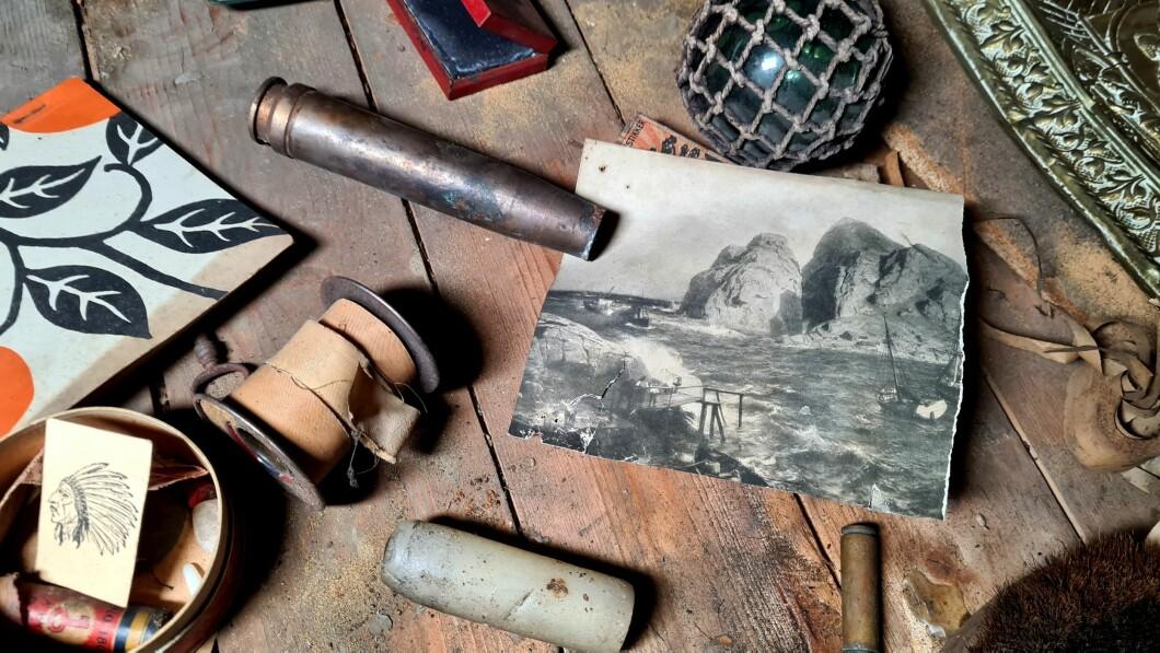 Caccia al tesoro: forse uno degli oggetti più speciali è il bossolo da 20 mm di un cannone antiaereo tedesco che potrebbe essere stato nell'area intorno a Vergland.  Anche qui c'è una foto di un'opera d'arte a colori vista mare, scorrere con Norgesplaster e