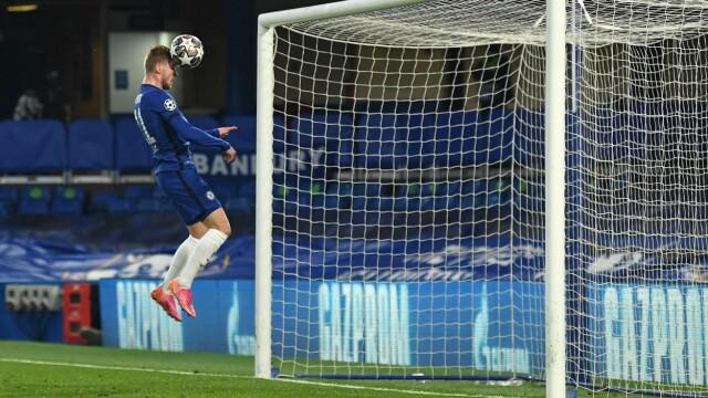 UMULIG Å BOMME: Timo Werner kunne enkelt sende Chelsea i ledelsen med denne headingen.