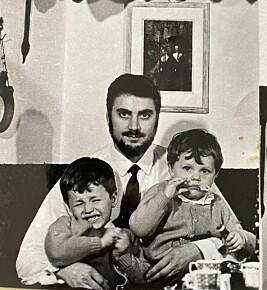 Padre di famiglia: Henning aveva cinque figli.  Qui con i figli Peter e Marcus.