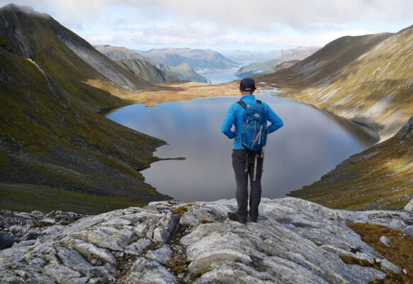 Although hotel holidays are popular in the big cities, many people are also looking for a holiday close to well-known natural destinations.  Here from Sunnmøre.