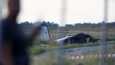 Örebro, Svezia 2020708. Un aereo con otto paracadutisti e un pilota a bordo si è schiantato mentre stava per decollare dall'aeroporto di Örebro in Svezia.  Diversi sono morti e due sono stati portati in ospedale.  Foto: Jeppe Gustafsson / TT NYHETSBYRÅN / NTB