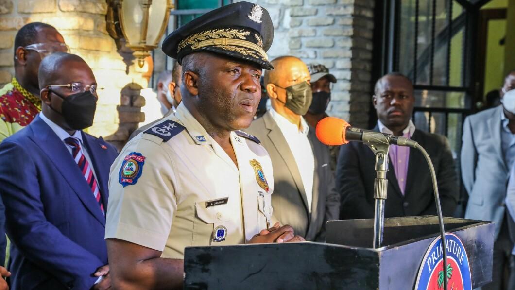 Il capo della polizia Leon Charles ne identifica due