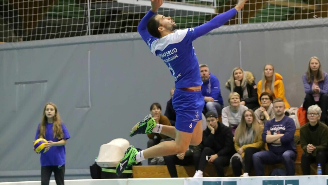 Henning Kjemperud Olsen a joué en 2011 pour le volleyball d'Oslo.