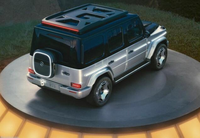 De concept-car was uitgerust met 22-inch gesmede aluminium wielen.