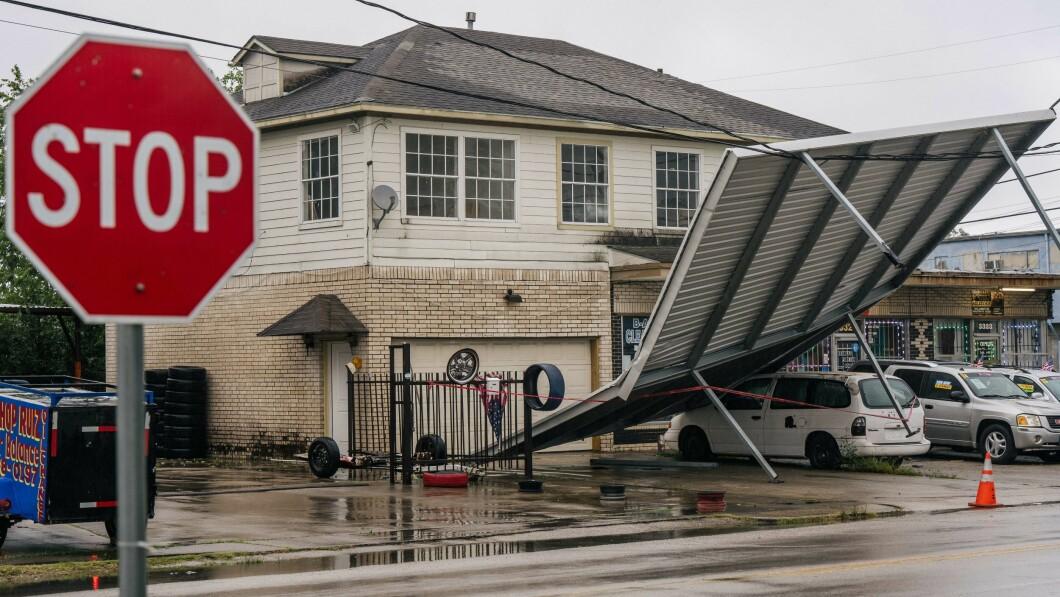 Houston, Texas: la tempesta tropicale Nicholas provoca ingenti danni.