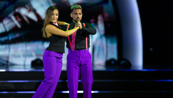 Dobbiamo ballare: il ballerino Alejandro Fuente con la ballerina professionista Maria Isabel Le Ramila.