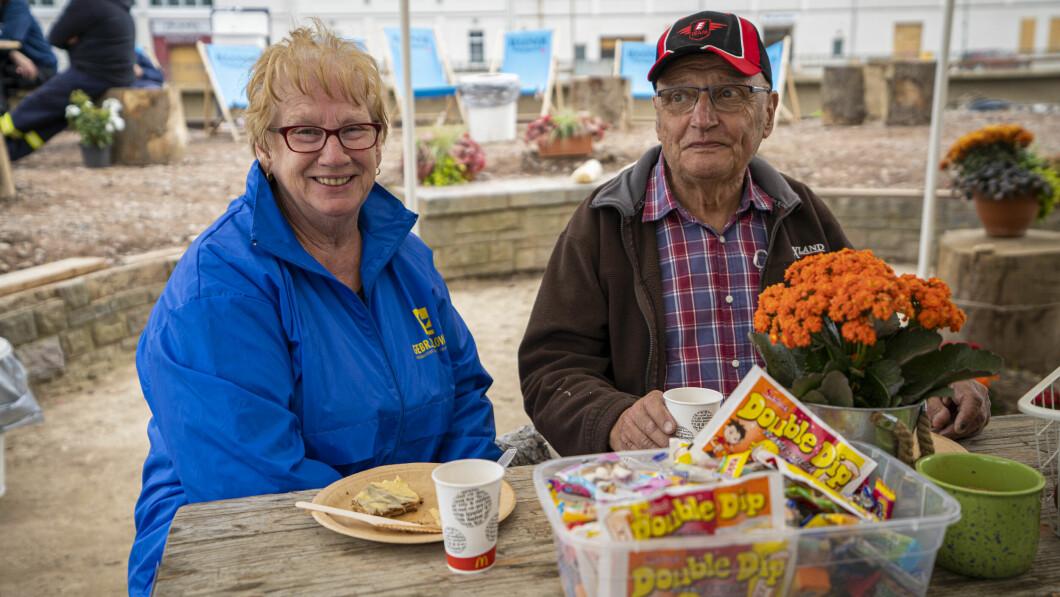 La coppia Justin ha perso tutto ciò che possedeva nell'alluvione.  Ora sperano che i politici aiutino anche la gente di Ordelen dopo le elezioni del 26 settembre.