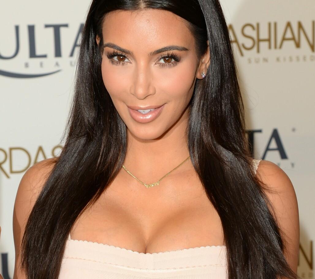 Boksjokk: Kim Kardashians sex-video lekket av MOREN