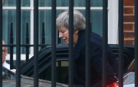 May bekrefter at hun utsetter avstemningen om brexit