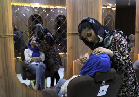 Rapport: Taliban truer kvinners framgang