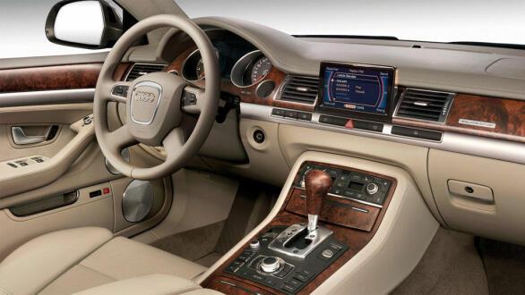 Et sobert interiør var en av flere ting som gjorde at mange likte Audi A8
