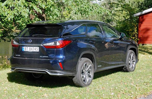 Lexus-SUV-en har blitt strukket 11 centimeter og kommer nå med plass for syv personer.