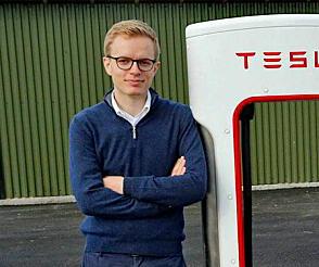 Even Sandvold Roland er PR- og kommunikasjonssjef hos Tesla i Norge