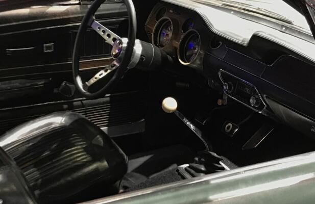Interiøret er også beholdt akkurat slik det var, den gang Steve McQueen satt bak rattet.