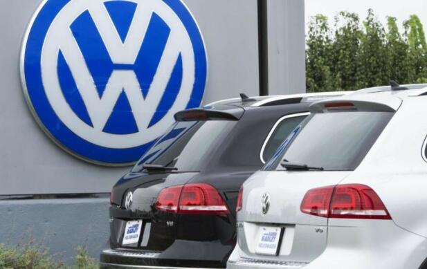 VW har virkelig hatt sin dose av dårlige nyheter de siste årene. Nå er de i ferd med å kjøpe tilbake flere tusen førseriebiler. Foto: Scanpix.