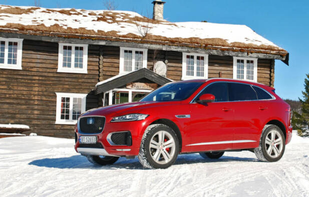 F-Pace er Jaguars første SUV og også en bil som har solgt godt her til lands.