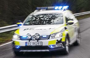 Et vanlig syn på norske veier: Uniformert VW Passat